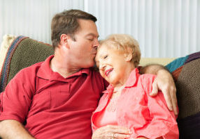 How to Select a Home Care Agency When Your Loved One Has Dementia